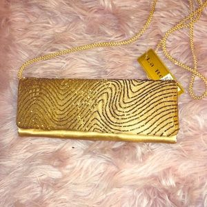 🌟🌟 Vintage Gold Beaded Clutch
